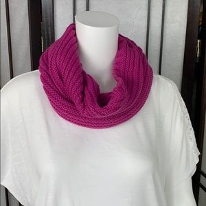 Accessories - Ingle look infinity scarf